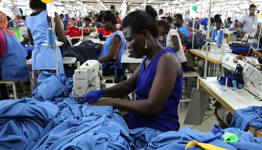 Couturière / Crédit photo: Inside African Closet